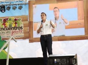 Foto_Nota_1_Gobernador_Richard_guilar_clausura_y_lanzamiento_encuentros_con_mi_gente2